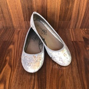 Silver Sequence Flats